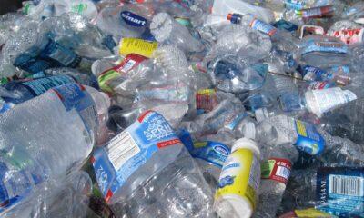 Plastflaskor